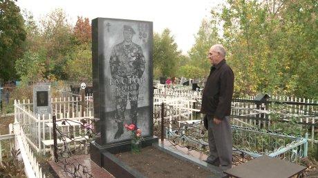 Памятник на могилку Сурск памятник сердце с птичками на могилу фото
